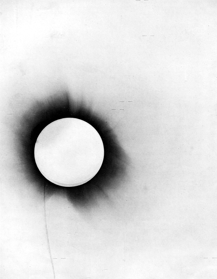 1919_eclipse_negative