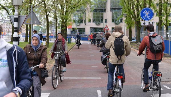 mersul pe bicicleta - stiinta tehnica 1
