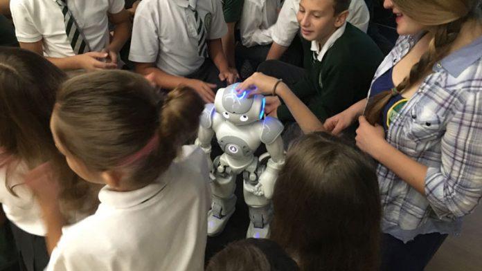 nao-robotica-stiinta-tehnica-1
