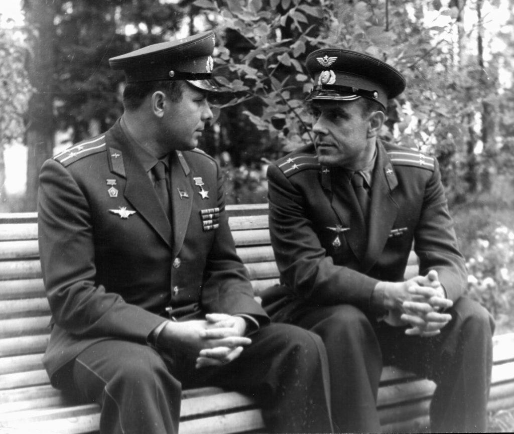 Gagarin și Komarov.