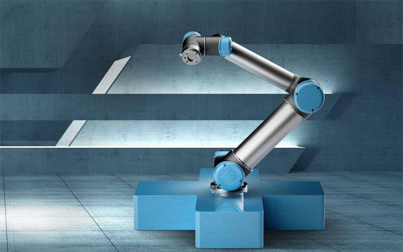 universal-robots-cobot-stiinta-tehnica-2